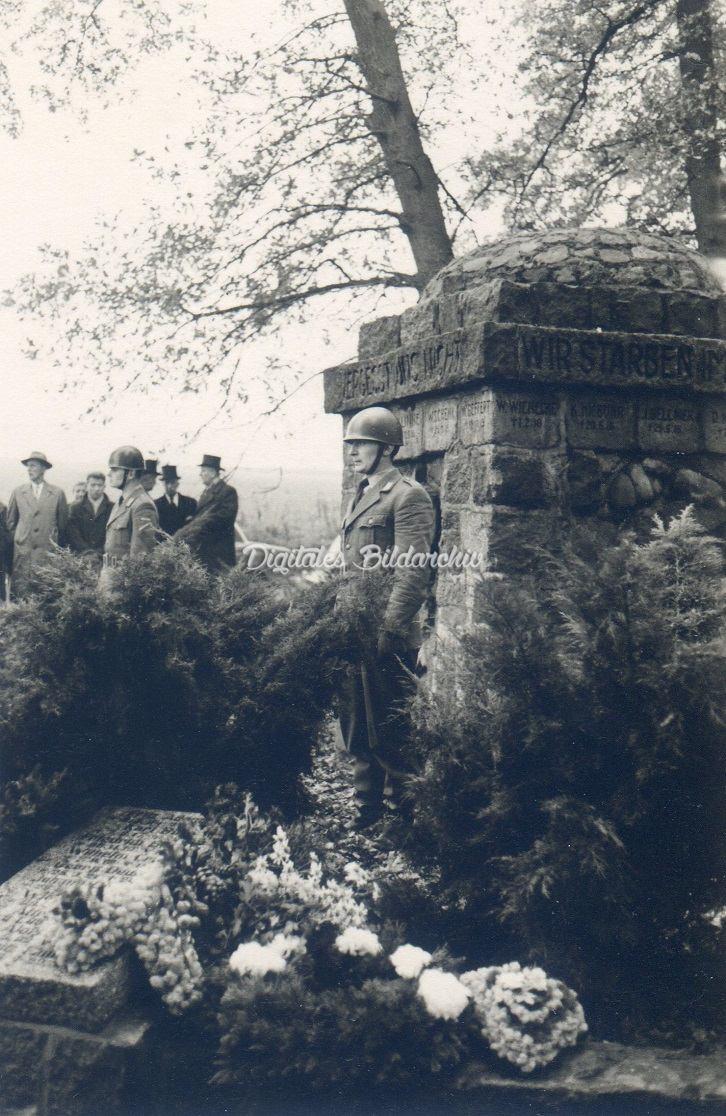 d0101e-0025-emm-volkstrauertag-13-november-1960